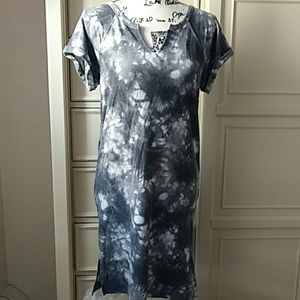 Cable and Gauge  Tie Dye Short Sleeve dress